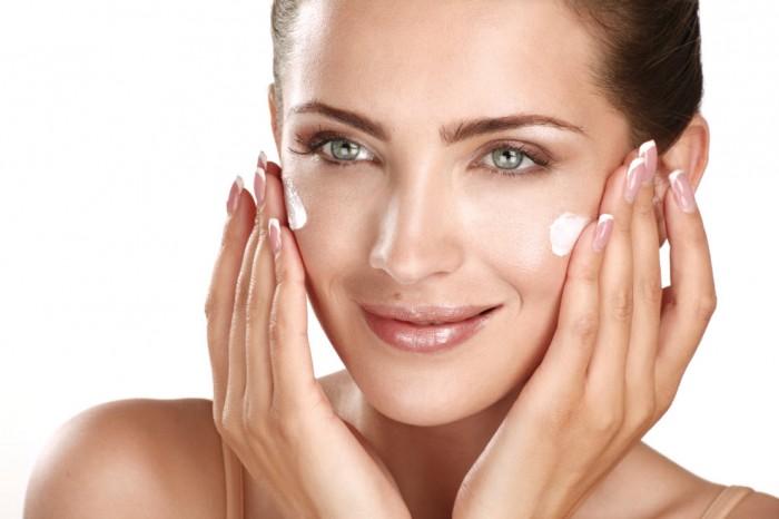 Glowing-Healthy-Skin-Moisturize-Face