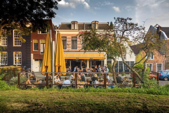 de-fijnste-lunchplekjes-in-oost-mojo-amsterdam
