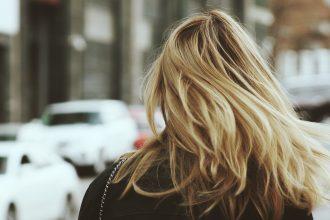 tips-om-je-haar-sneller-droog-te-fohnen