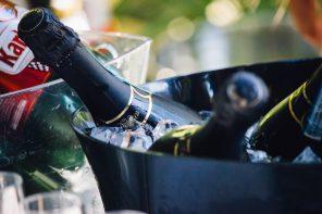 HET IS BEWEZEN: VAN WIJN DRINKEN VAL JE AF